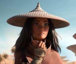 Le nouveau film d'animation Disney, Raya et le dernier dragon, a changé d'actrice principale. Avant Kelly Marie Tran, c'est Cassie Steele qui devait doubler la voix de l'héroïne. Voilà pourquoi