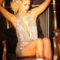 Paris Hilton ... Elle sort elle aussi sa carte sexy de Noël
