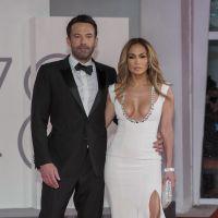 Jennifer Lopez et Ben Affleck en couple : ils officialisent sur tapis rouge et enflamment Venise