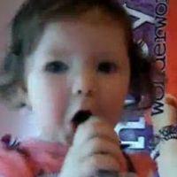 Justin Bieber ... VIDEO ... Un bébé de 2 ans complètement gaga du chanteur