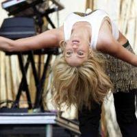 Shakira ... Gerard Piqué officialise leur relation