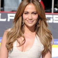 Jennifer Lopez... son maquillage de clown  dans l'émission American Idol (VIDEO)