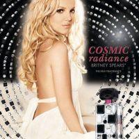 Britney Spears... Radieuse sur l'affiche de son parfum Radiance