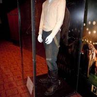 Robert Pattinson vend aux enchères ... son costume du film ''De l'eau pour les éléphants''