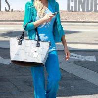 PHOTOS - Paris Hilton contre Ashley Tisdale : quand les stars font du shopping