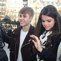 Justin Bieber et Selena Gomez font les magasins en amoureux chez Vuitton (PHOTOS)
