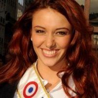 Miss France 2012 : Delphine Wespiser offre une danse sexy à Arthur (VIDEO)