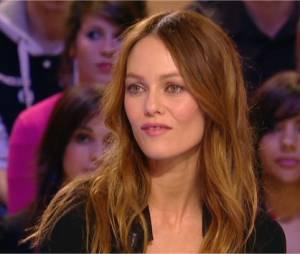 Vanessa Paradis dément les rumeurs de séparation avec Johnny Depp dans Le Grand Journal.
