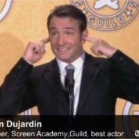 Jean Dujardin chante la Marseillaise : la barrière de l'anglais plutôt que la Bannière étoilée (VIDEO)