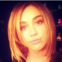 Miley Cyrus cheveux courts VS Demi Lovato blonde : qui est la plus belle ? (PHOTOS)