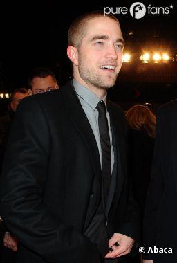 Robert Pattinson pas à l'aise avec son corps
