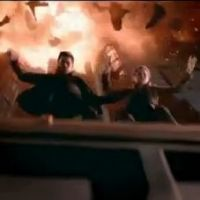 Total Recall 2012 : explosions, voitures volantes et Colin Farrell dans le remake ! (VIDEO)