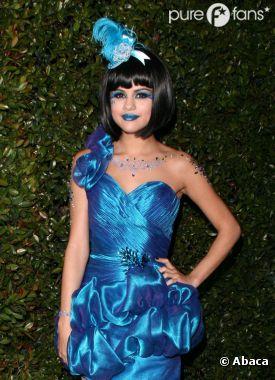 Selena Gomez toute en bleu