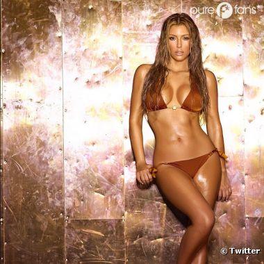 Sexy model fake nu