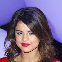 Selena Gomez : gros kiss avec une fille dans le dos de Justin Bieber ?