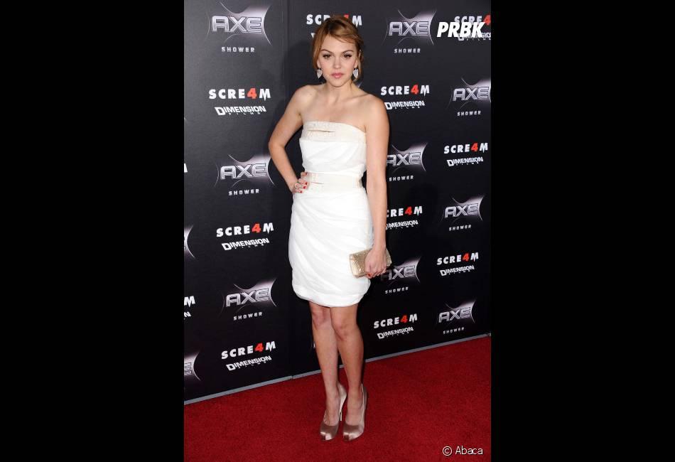 Aimee Teegarden trop mimi sur le tapis rouge