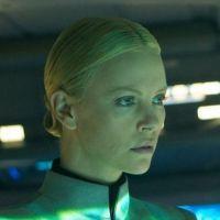 Prometheus : Charlize Theron parle du pénis de Michael Fassbender !