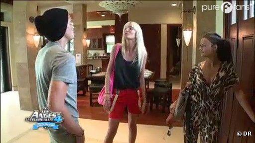 Marie pète un câble avant d'aller à son rendez-vous pro avec Geoffrey et Julia