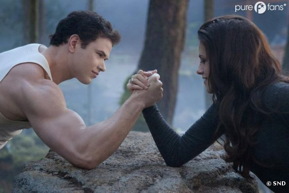 Bella vs Emmett dans Twilight 5 !