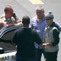 Justin Bieber VS la police : poursuivi par un paparazzi, il viole la loi ! (PHOTOS)