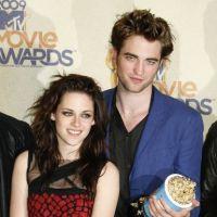 Kristen Stewart et Robert Pattinson : le réalisateur de Twilight réagit au scandale !