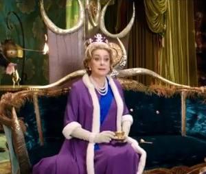 Catherine Deneuve dans le rôle de la reine d'Angleterre