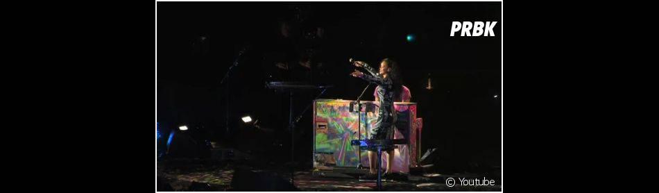 Rihanna chante Umbrella avec Coldplay au Stade de France