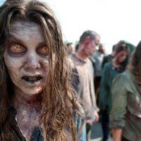 Walking Dead saison 3 : Les zombies vont se faire défoncer à coup de marteaux, machettes & cie !