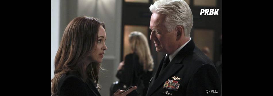 L'acteur Bruce Davison est l'amiral Arthur Shepard