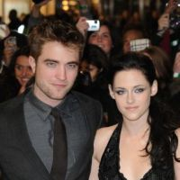 Robert Pattinson et Kristen Stewart : resto romantique, projet de vacances... ils font tout pour que ça marche !