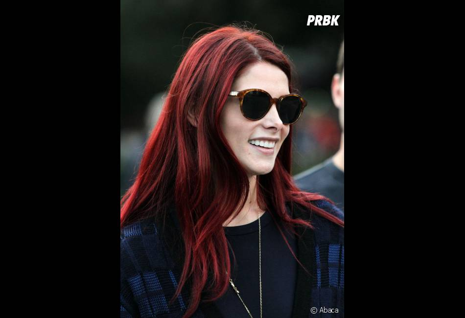 Ashley Greene se transforme en rousse flamboyante