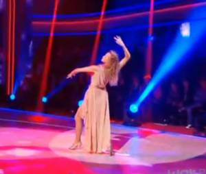 Estelle Lefébure bluffante dans son paso doble !