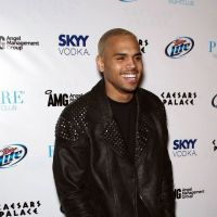 Chris Brown : A son tour de démentir les rumeurs de couple avec Rihanna ! (VIDEO)