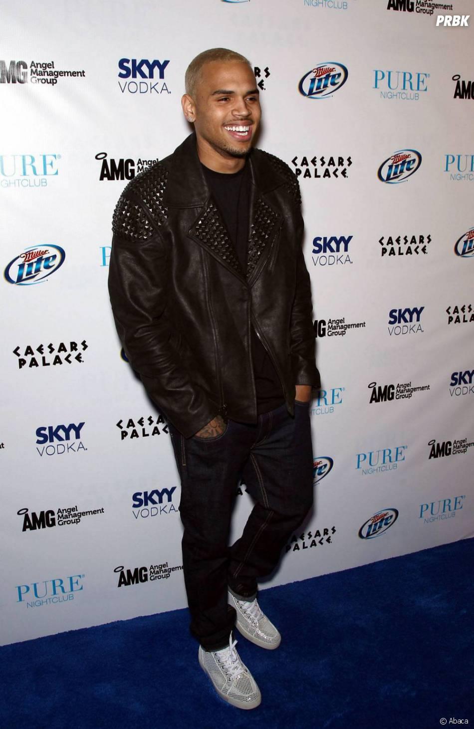 Chris Brown : Il promet à Rihanna de garder contact avec elle