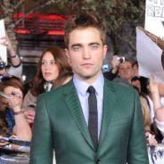 Twilight 5 : Robert Pattinson et son affreux costume vert pour l'avant-première ! (PHOTOS)