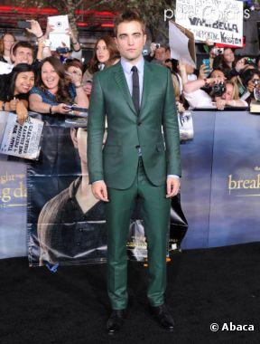 Robert Pattinson en vert pour l'avant-première de Twilight 5