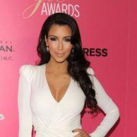 """Kim Kardashian : grosse manif contre """"la traînée"""" pour sa venue au Bahreïn"""