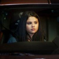 Selena Gomez dans The Getaway : premières photos de la geek