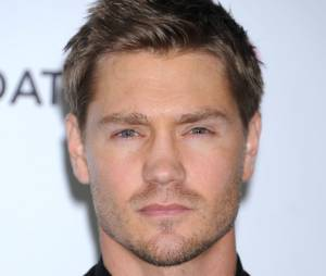 On préfère Chad Michael Murray sans la moustache !