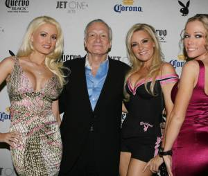 Hugh Hefner toujours bien entouré avec ses playmates