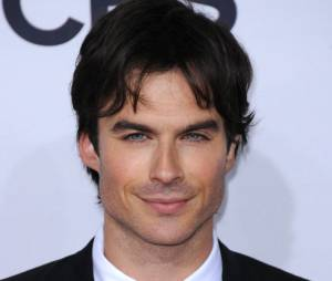 Ian Somerhalder sans Nina Dobrev mais très hot aux People's Choice Awards