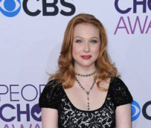 Molly Quinn de Castle sur le tapis-rouge des People's Choice Awards