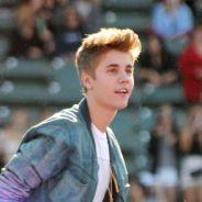 """Justin Bieber : une rehab ou une """"intervention"""" à cause de son père ? Ses proches paniquent et balancent"""