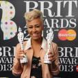 Lors de la cérémonie des Brit Awards 2013, Emeli Sandé a été doublement récompensée.