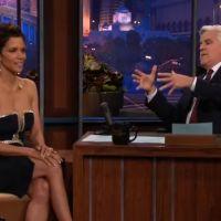 Halle Berry : son décolleté déstabilise Jay Leno au Tonight Show