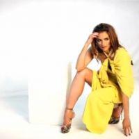 Stana Katic : glamour en mode 70's pour un nouveau photoshoot