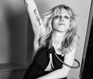 La veuve de Kurt Cobain pose pour Hedi Slimane (Saint Laurent)