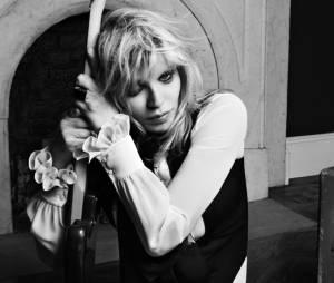 Courtney Love est le visage de la prochaine campagne pub Saint Laurent
