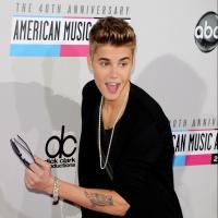 Justin Bieber sur Twitter : une écriture digne d'un analphabète selon Buzzfeed