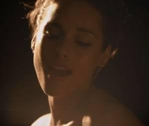 Alicia Keys toujours aussi magnifique dans le clip New Day